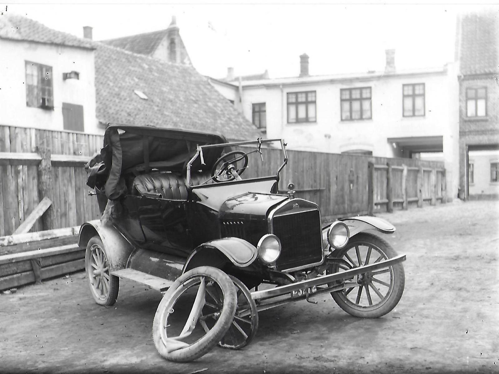 33-1925-ca.-7